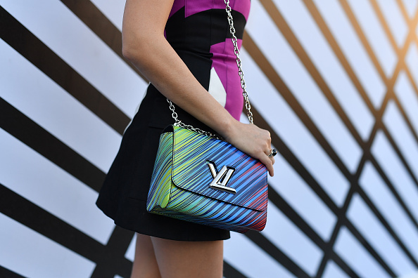 Louis Vuitton Purse「Louis Vuitton : Front Row  - Paris Fashion Week Womenswear Spring/Summer 2017」:写真・画像(3)[壁紙.com]