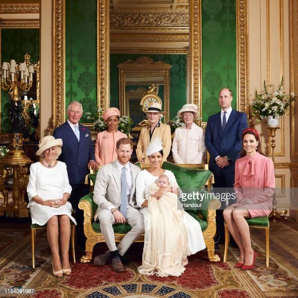 Official Photographs From The Christening Of Archie Harrison Mountbatten-Windsor:ニュース(壁紙.com)