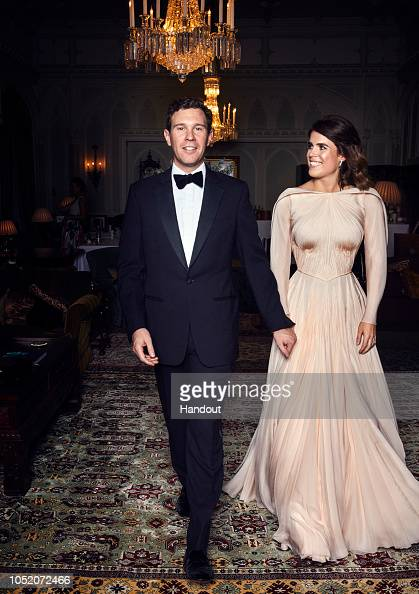 Princess Eugenie「Official Portraits From The Wedding Of Princess Eugenie And Jack Brooksbank」:写真・画像(0)[壁紙.com]