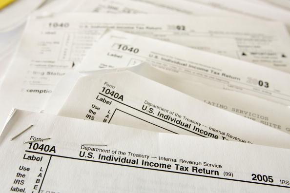 Politics「California Tax Payers Rush To Meet Tax Filing Deadline」:写真・画像(3)[壁紙.com]