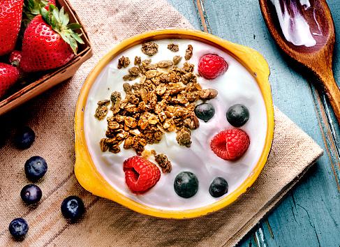 Raspberry「yogurt berries」:スマホ壁紙(12)