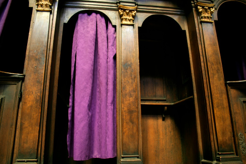 Cathedral「A Catholic confession booth with a purple curtain」:スマホ壁紙(3)