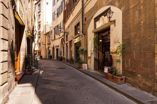 Florence - Italy「A quiet backstreet iin Florence, Italy」:スマホ壁紙(12)