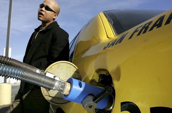 Greenhouse Gas「Schwarzenegger Signs Executive Order Setting Low Carbon Fuel Standard」:写真・画像(13)[壁紙.com]
