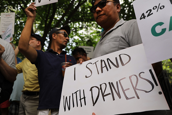運転手「NYC Drivers Rally In Support Of Restricting Licenses For For-Hire Vehicles」:写真・画像(2)[壁紙.com]