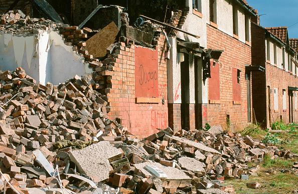 Demolished「Demolishing council houses on the sink estate of Raffles in Carlisle Cumbria UK」:写真・画像(19)[壁紙.com]