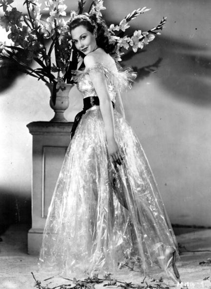 Evening Gown「Hazel Court」:写真・画像(10)[壁紙.com]