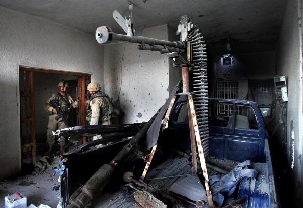 Sweeping「U.S. And Iraqi Forces Attack Fallujah」:写真・画像(0)[壁紙.com]