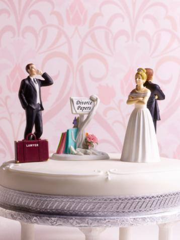 Male Likeness「Divorce wedding cake with lawyer」:スマホ壁紙(10)