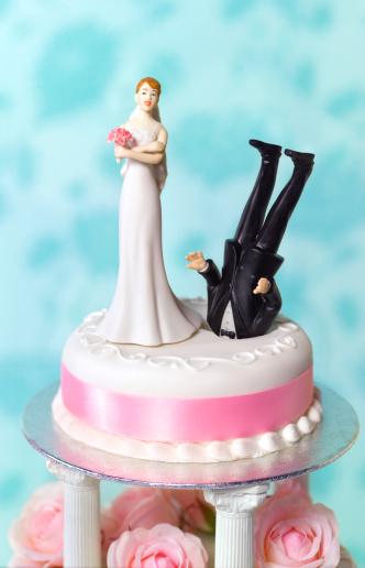 Female Likeness「Divorce wedding cake」:スマホ壁紙(13)