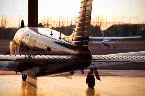 飛行機「Propeller Airplane at Sunset」:スマホ壁紙(14)
