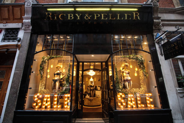 Knightsbridge「Rigby & Peller Lose Royal Warrent Over Former Owner's Tell-All Book」:写真・画像(7)[壁紙.com]