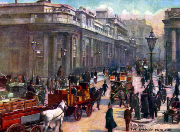 Edwardian Style「London -  Bank of England.  In early 1900s. Horsedrawn carts, trams, top hats. Lamp post.」:写真・画像(7)[壁紙.com]