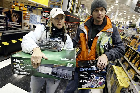 "Electronics Industry「Shoppers Brave The Crowds On ""Black Friday""」:写真・画像(16)[壁紙.com]"