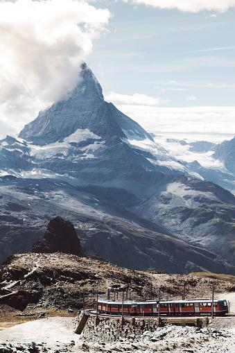 Ski Resort「View of mountain train and Matterhorn in Switzerland」:スマホ壁紙(16)