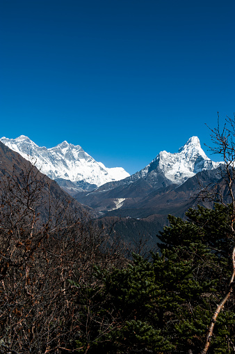 Ama Dablam「A view of Mount Everest and Ama Dablam in Nepal」:スマホ壁紙(19)