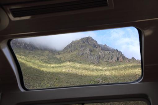 Train Interior「View of mountains from train to Machu Picchu, Peru」:スマホ壁紙(5)