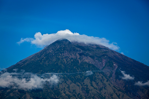 Regency Style「Indonesia Raises Alert For Bali Volcano」:写真・画像(9)[壁紙.com]
