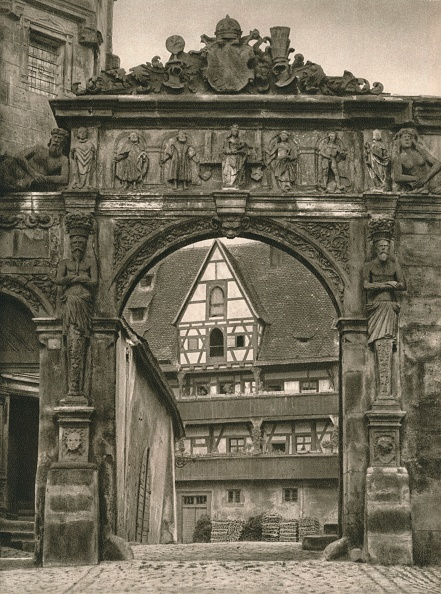 Architectural Feature「Bamberg - View of the Old Residence courtyard, 1931」:写真・画像(0)[壁紙.com]