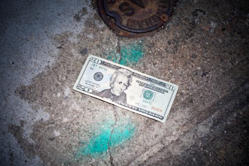 Lost「Twenty dollar bill lost on sidewalk」:スマホ壁紙(4)