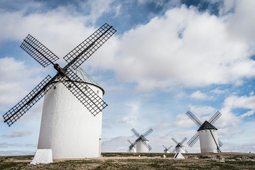 Mill「Spain, Castile-La Mancha, Campo de Criptana, windmills」:スマホ壁紙(4)