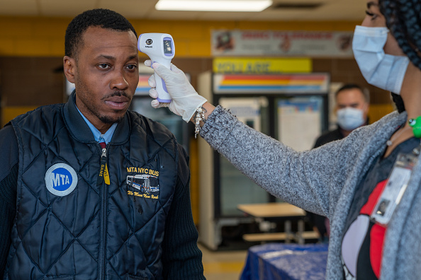Transportation「New York City's MTA Takes Temperatures Of Its Workers To Ensure Safety Amid Coronavirus Pandemic」:写真・画像(9)[壁紙.com]