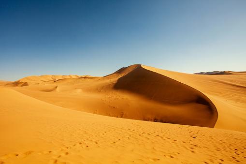 Awbari Sand Sea「Dunhuang desert, Gansu」:スマホ壁紙(8)