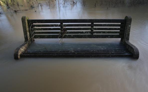 Torrential Rain「Cobra Meets To Discuss Christmas Floods」:写真・画像(0)[壁紙.com]