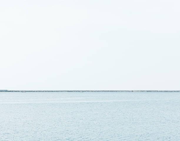 Breakwater in the sea:スマホ壁紙(壁紙.com)