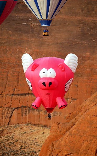 気球「22nd Annual Red Rock Balloon Rally Held In New Mexico」:写真・画像(18)[壁紙.com]