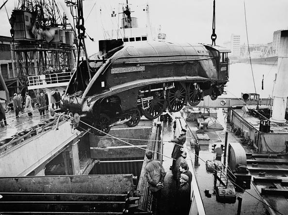 Aerodynamic「Dominion Of Canada Streamlined Locomotive」:写真・画像(17)[壁紙.com]