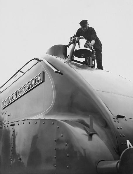Aerodynamic「Dominion Of Canada Streamlined Locomotive」:写真・画像(6)[壁紙.com]