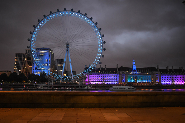 Amusement Park Ride「Landmarks Around The UK Take Part In The Light It Blue Campaign For The NHS Anniversary」:写真・画像(1)[壁紙.com]