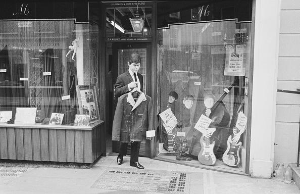 楽器「The Beatles' Tailor」:写真・画像(1)[壁紙.com]
