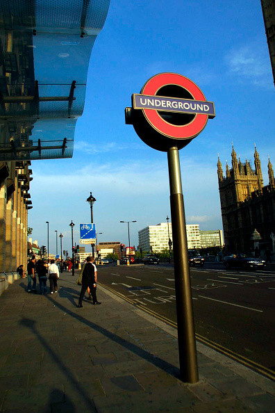 Sunny「The London Underground sign outside Westminster station.」:写真・画像(10)[壁紙.com]