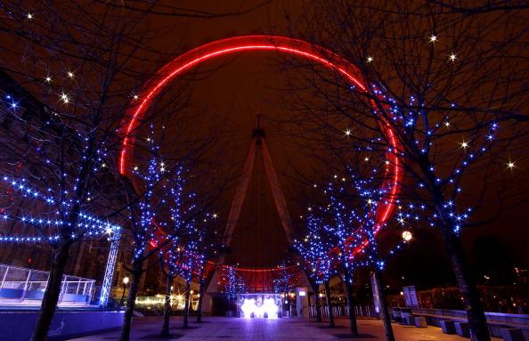 Clive Brunskill「London Turns RED For World AIDS Day」:写真・画像(0)[壁紙.com]