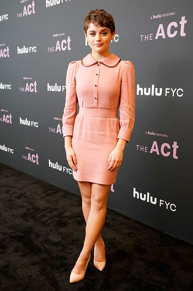 "Peter Pan collar「Hulu's ""The Act"" FYC Event」:写真・画像(7)[壁紙.com]"