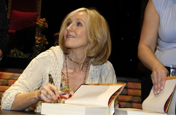 Writing「J.K. Rowling Book Signing」:写真・画像(12)[壁紙.com]