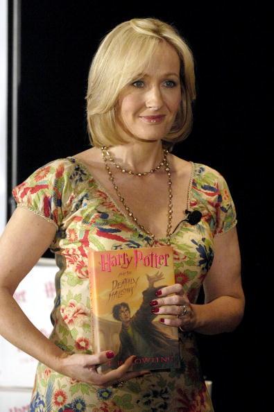 Writing「J.K. Rowling Book Signing」:写真・画像(5)[壁紙.com]