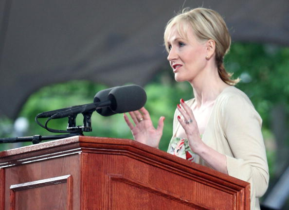 Beginnings「JK Rowling Address Headlines Harvard Univ. Commencement」:写真・画像(5)[壁紙.com]