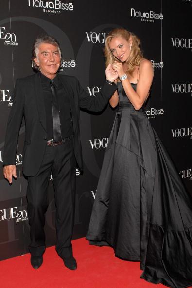 Train - Clothing Embellishment「Celebrities Attend Vogue Magazine 20th Anniversary Party」:写真・画像(17)[壁紙.com]