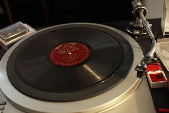 Single Object「Victrola Vinyl」:写真・画像(13)[壁紙.com]