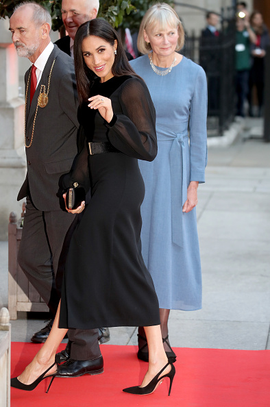 Four People「The Duchess of Sussex Opens 'Oceania' At The Royal Academy Of Arts」:写真・画像(15)[壁紙.com]
