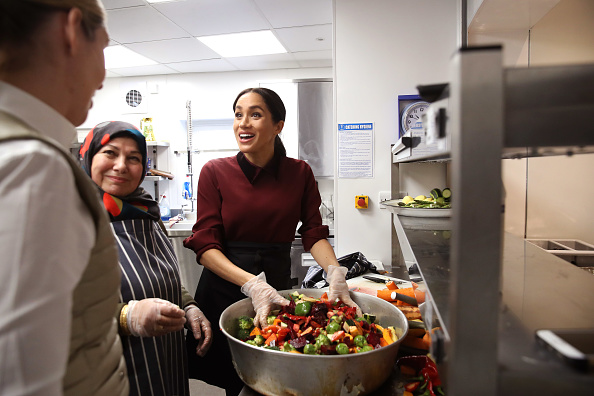 Visit「The Duchess Of Sussex Visits The Hubb Community Kitchen」:写真・画像(16)[壁紙.com]