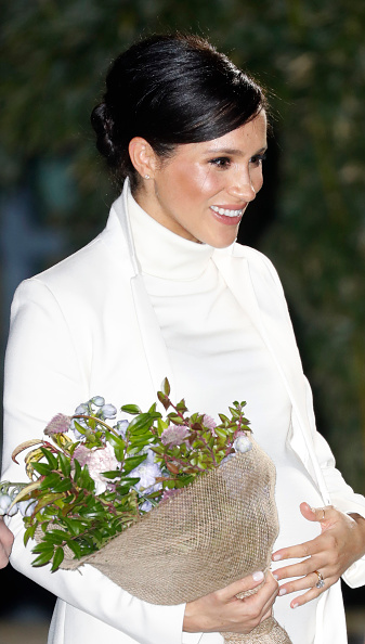 "Performing Arts Event「The Duke And Duchess Of Sussex Attend A Gala Performance Of ""The Wider Earth""」:写真・画像(2)[壁紙.com]"