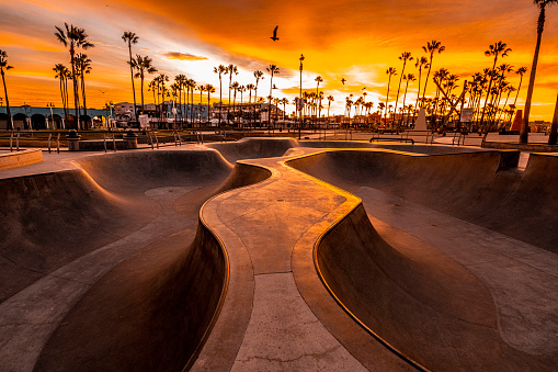 Skating「Beautiful sunrise over the skate park at Venice Beach, Los Angeles, California」:スマホ壁紙(15)