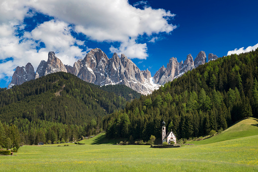 European Alps「Beautiful San Giovanni church with the Dolomites in the background, South Tyrol, Italy」:スマホ壁紙(0)