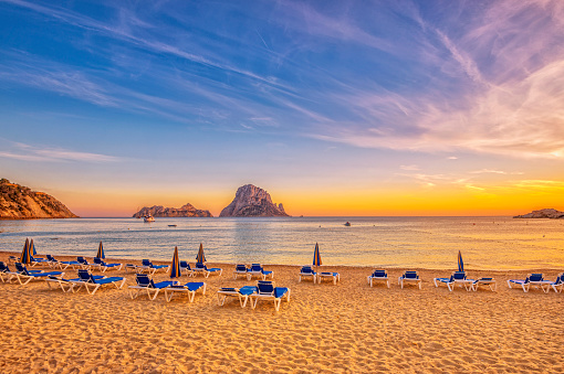 Sunset sea「Beautiful sunset beach at Cala d´Hort on Ibiza」:スマホ壁紙(1)