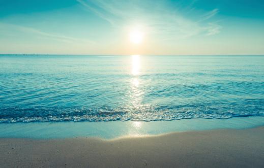 Blue「Beautiful silhouette sunset at tropical sea」:スマホ壁紙(14)