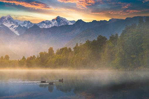 Westland - South Island New Zealand「Beautiful scenery landscape of the Matheson Lake Fox Glacier town Southern Alps Mountain Valleys New Zealand」:スマホ壁紙(18)